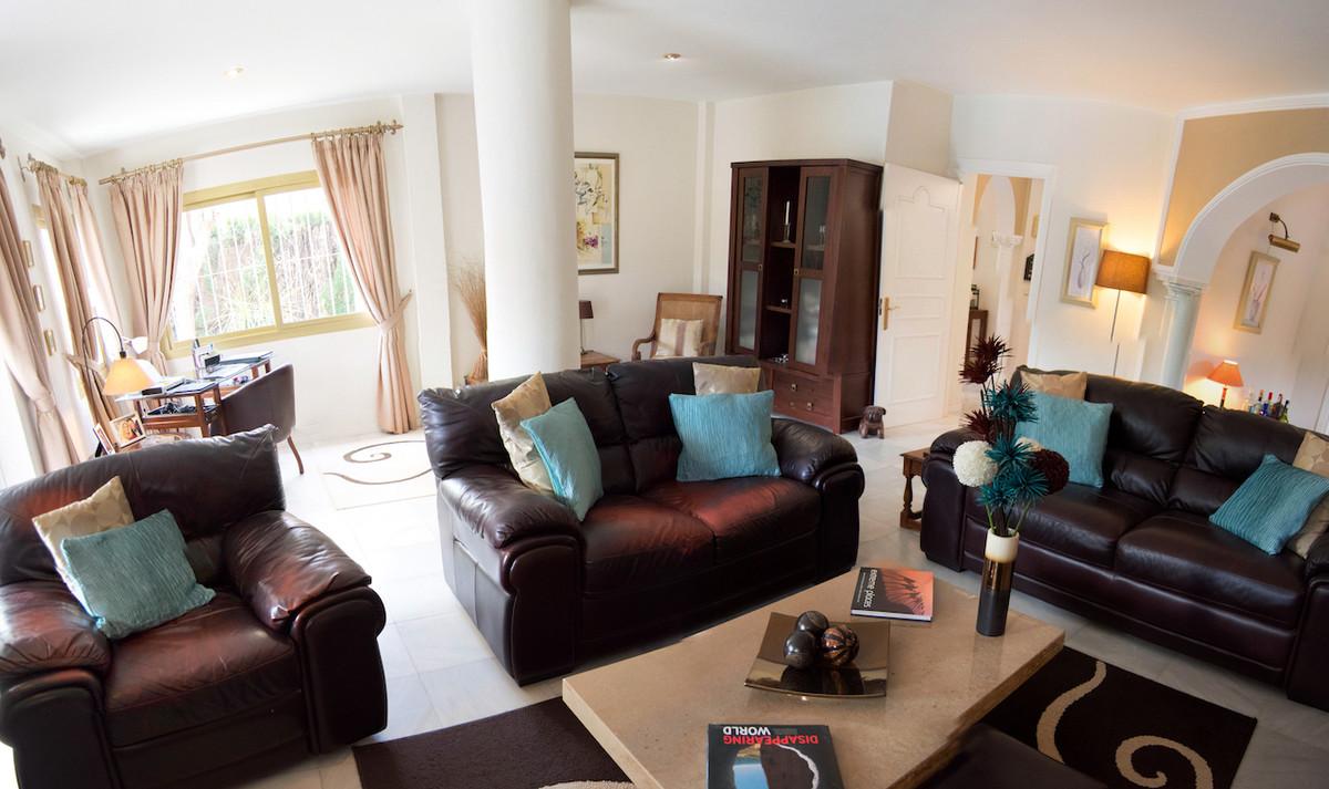4 Bedroom Villa for sale Marbella