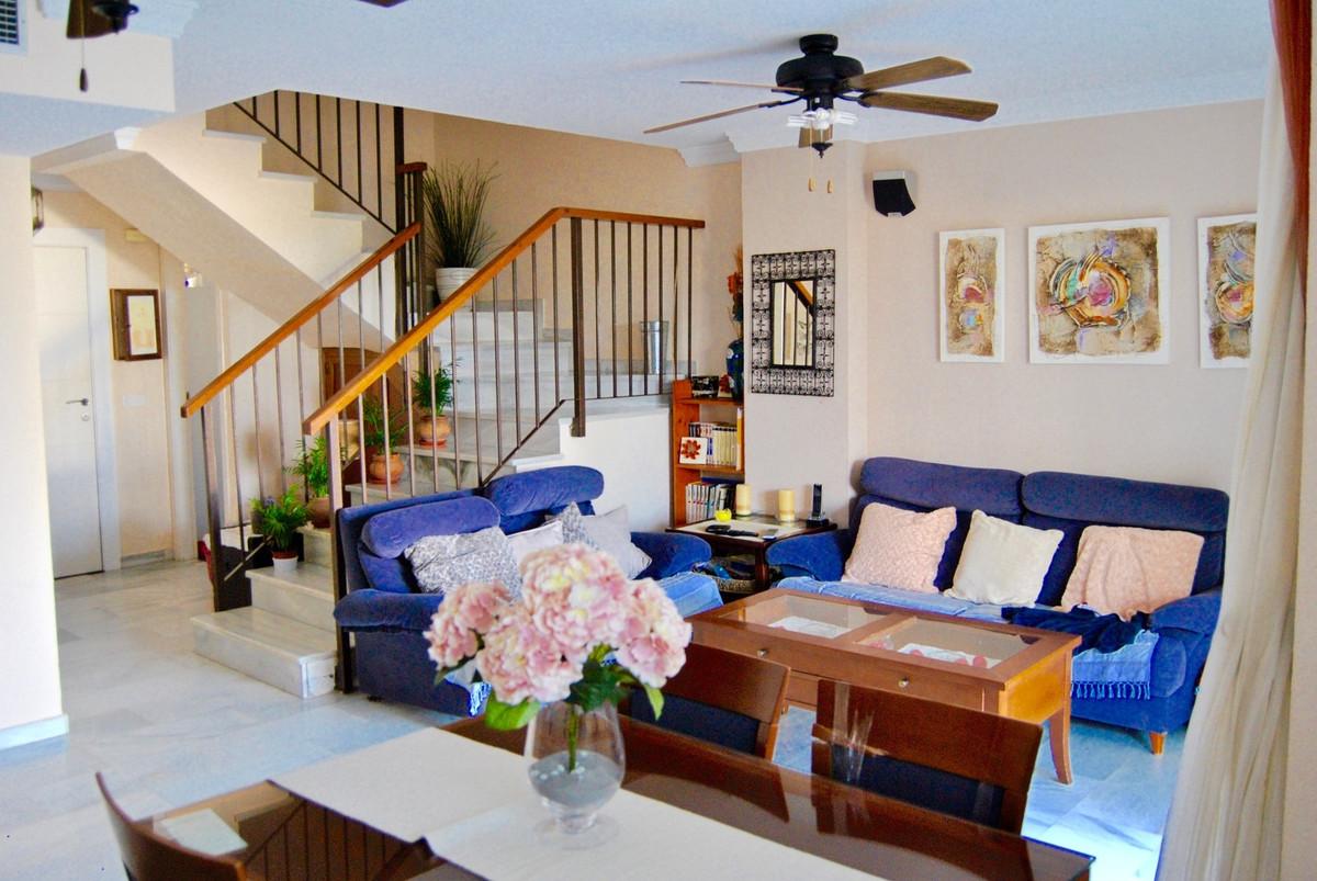 3 Bedroom Ground Floor Apartment For Sale Nueva Andalucía