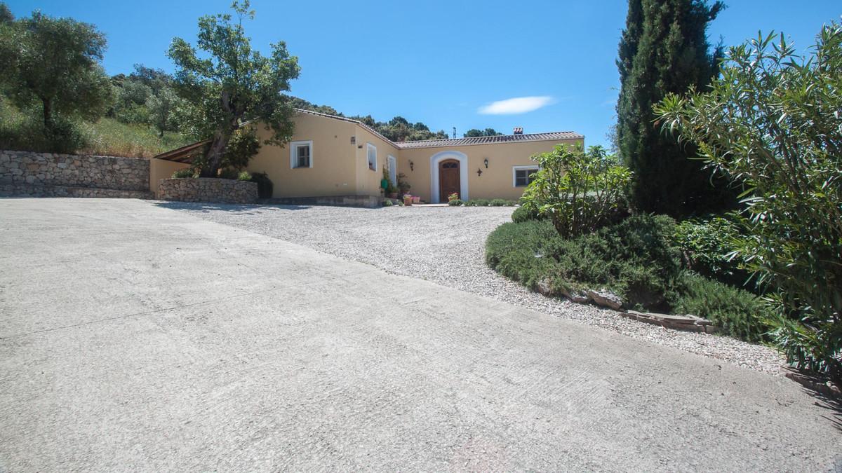 House in Algatocin R3431773 1