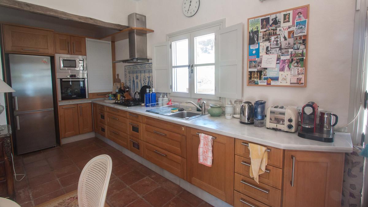 House in Algatocin R3431773 10