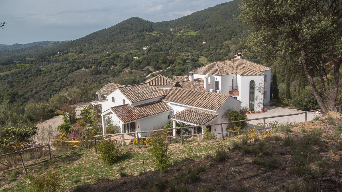Villa 6 Dormitorios en Venta Gaucín