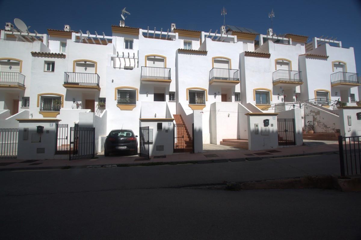Maison Jumelée  Mitoyenne en vente   à Manilva