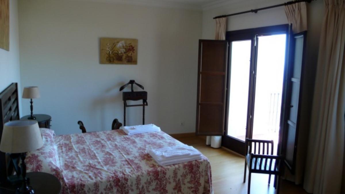 Unifamiliar con 3 Dormitorios en Venta Casares