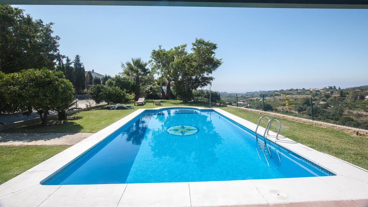 Villa, Finca  en venta    en Estepona