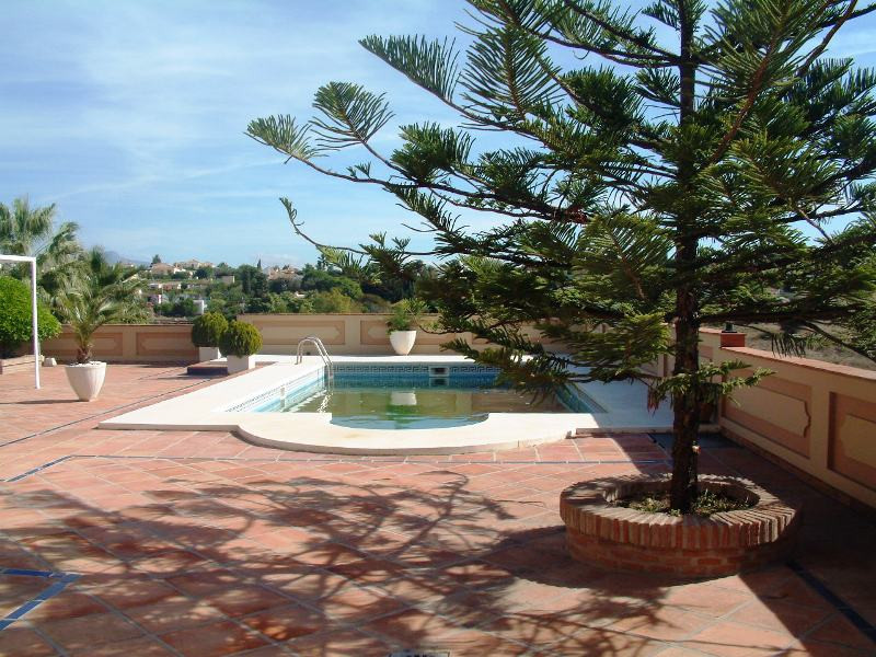 Beautiful farm overlooking the sea and the mountains located between Estepona and San Pedro, only 3 ,Spain