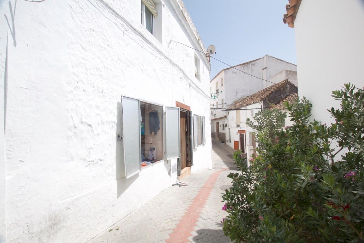 Maison Jumelée, Mitoyenne  en vente    à Casares Pueblo