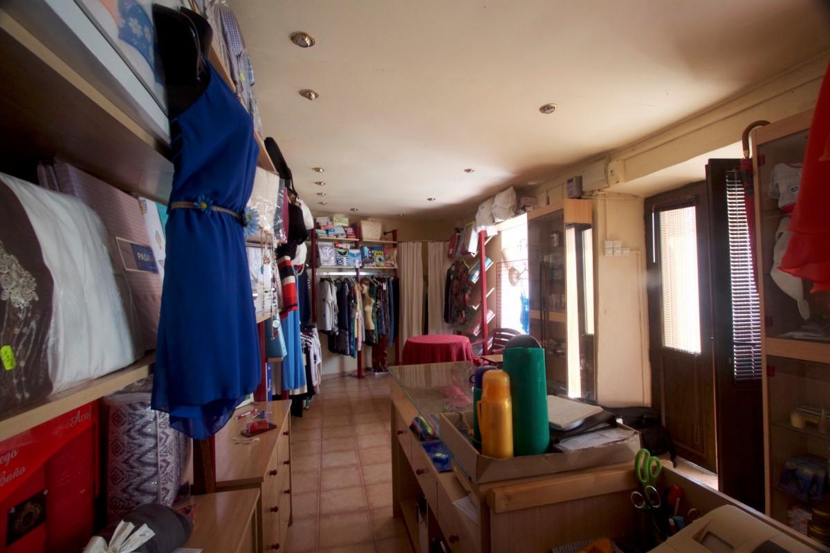 5 Dormitorios - 2 Baños