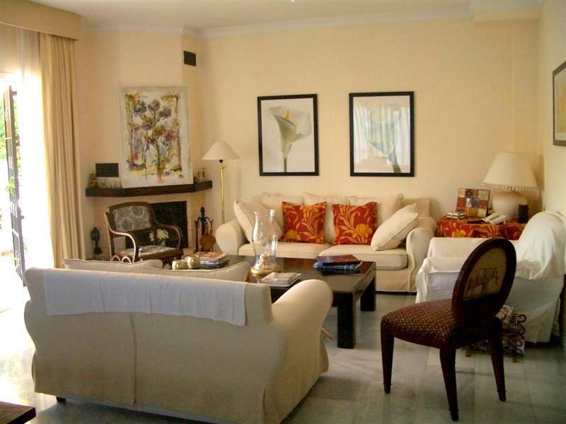 Villa con 3 Dormitorios en Venta Estepona