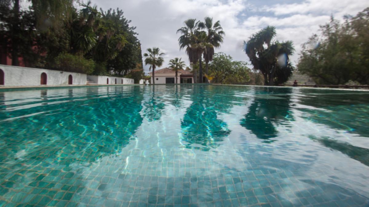 Villa Finca 8 Dormitorio(s) en Venta Coín