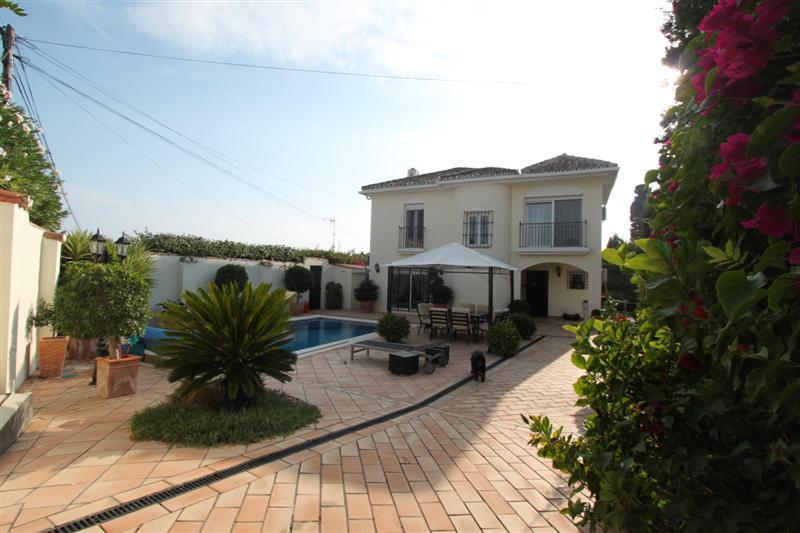 Ref:R497665 Villa For Sale in Estepona