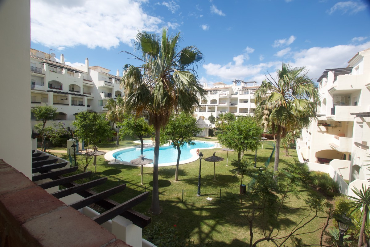 Lägenhet på mellanplan i La Duquesa R3201430