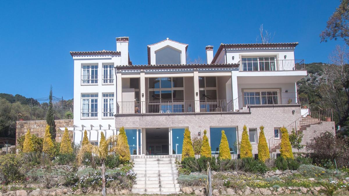 Villa 7 Dormitorios en Venta Gaucín