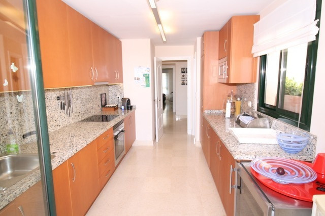 Apartment in Benahavís R3035156 9