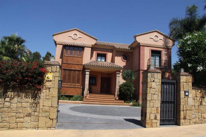 Villa con 8 Dormitorios en Venta Atalaya