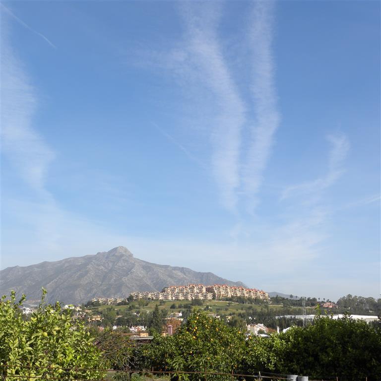 Villa  te koop in San Pedro de Alc?ntara, Costa del Sol