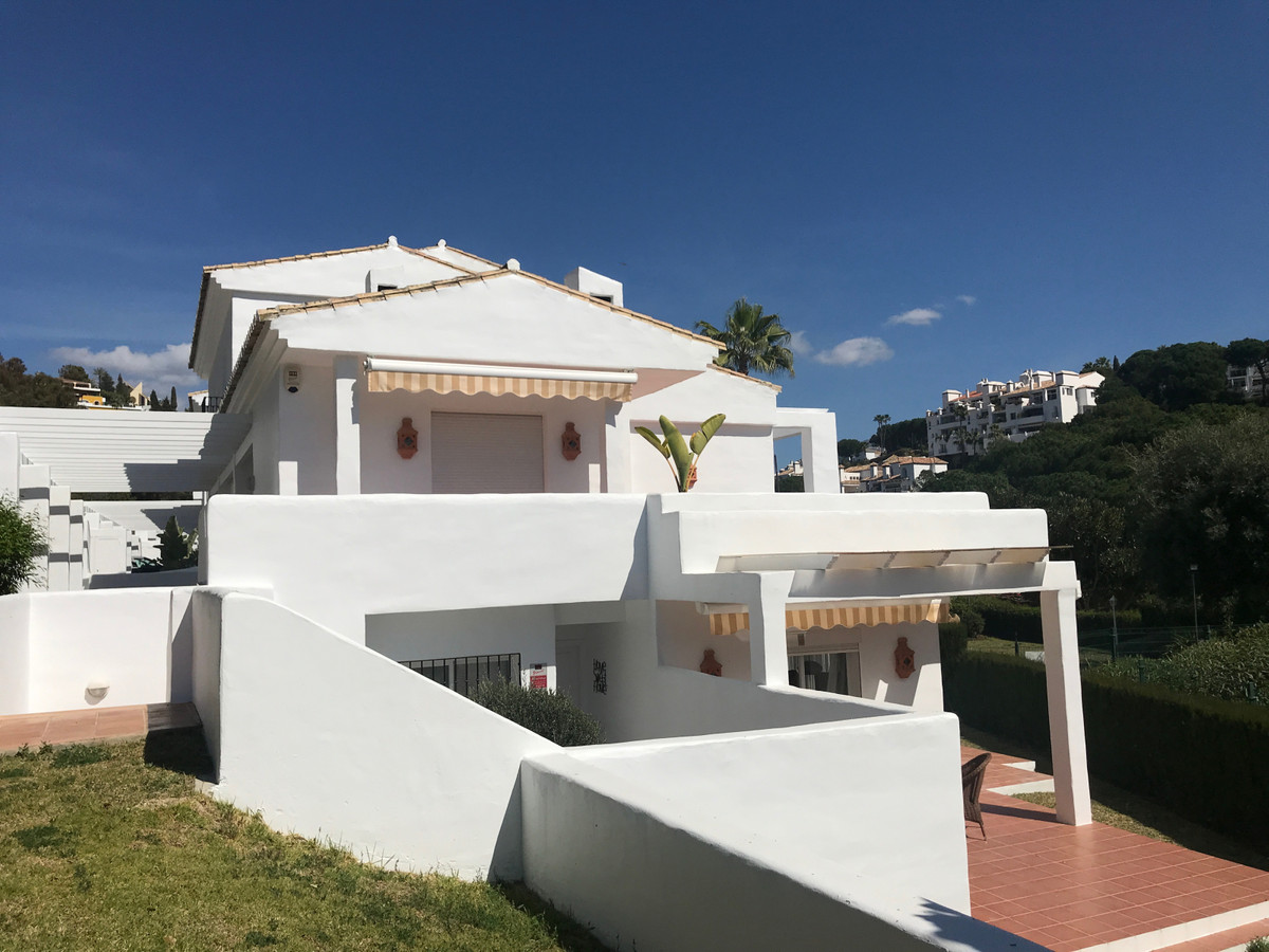 Townhouse - Terraced for sale in San Pedro de Alcántara
