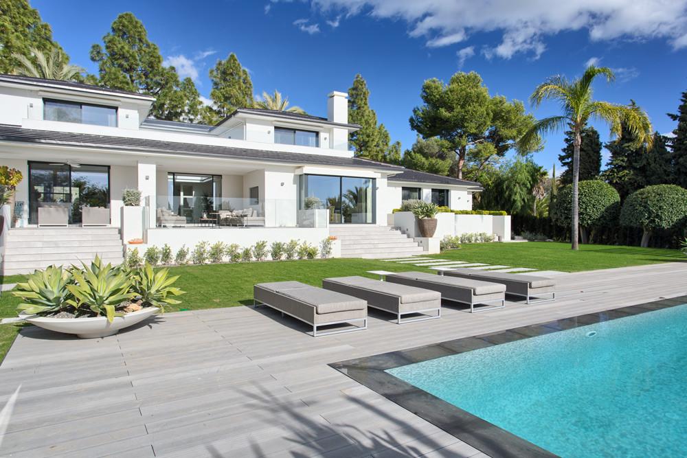 Villa - Detached for sale in Hacienda Las Chapas