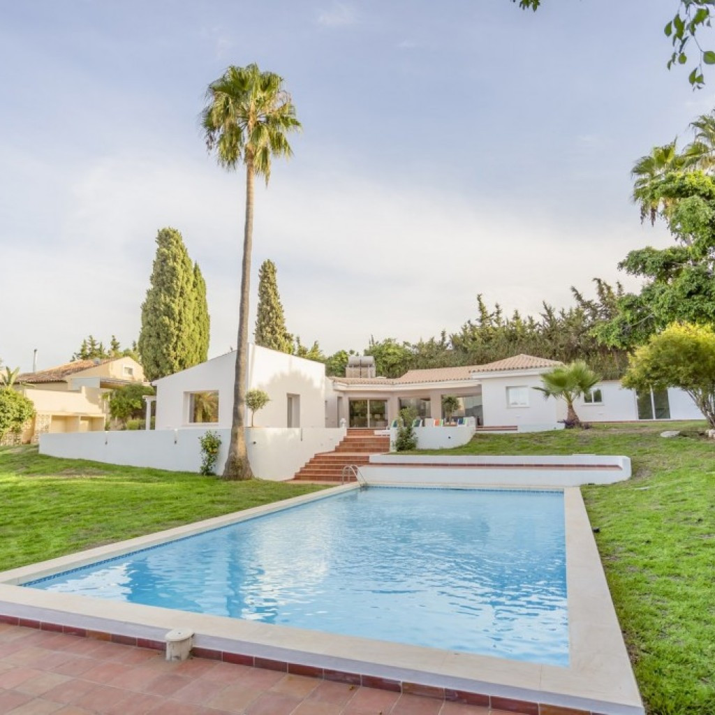 Villa for sale in El Padron