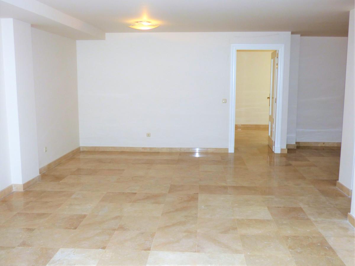 5 Bedroom Semi Detached Villa For Sale Puerto Banús