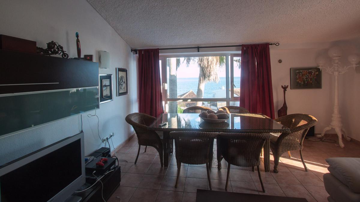 Villa for sale - Estepona