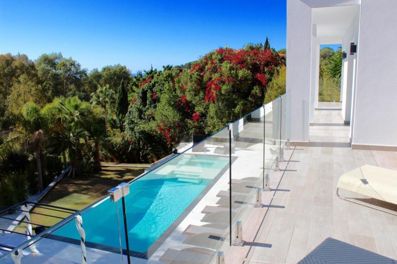 Villa for sale - Elviria