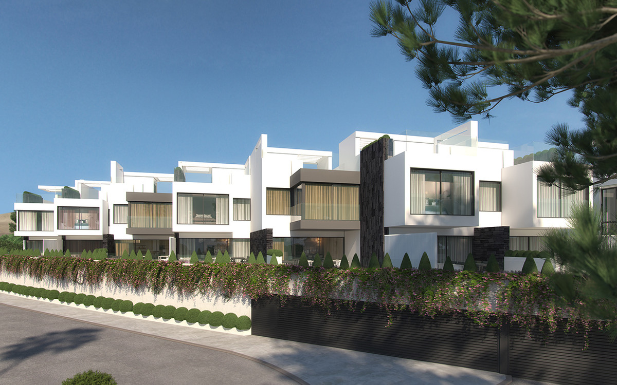 Townhouse for sale - Estepona