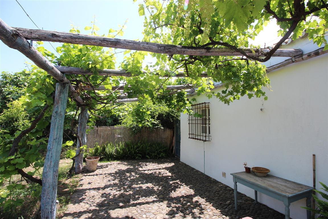 Villa con 8 Dormitorios en Venta Torreguadiaro