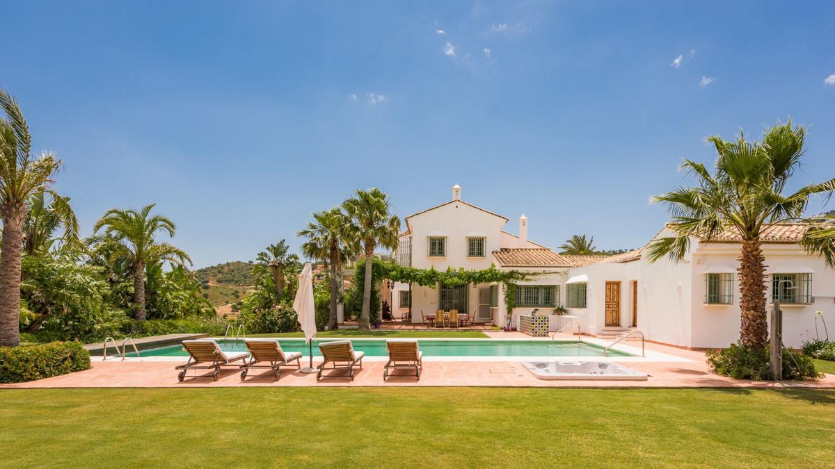 Finca for sale in La Mairena - Marbella East Finca - TMRO-R3263515