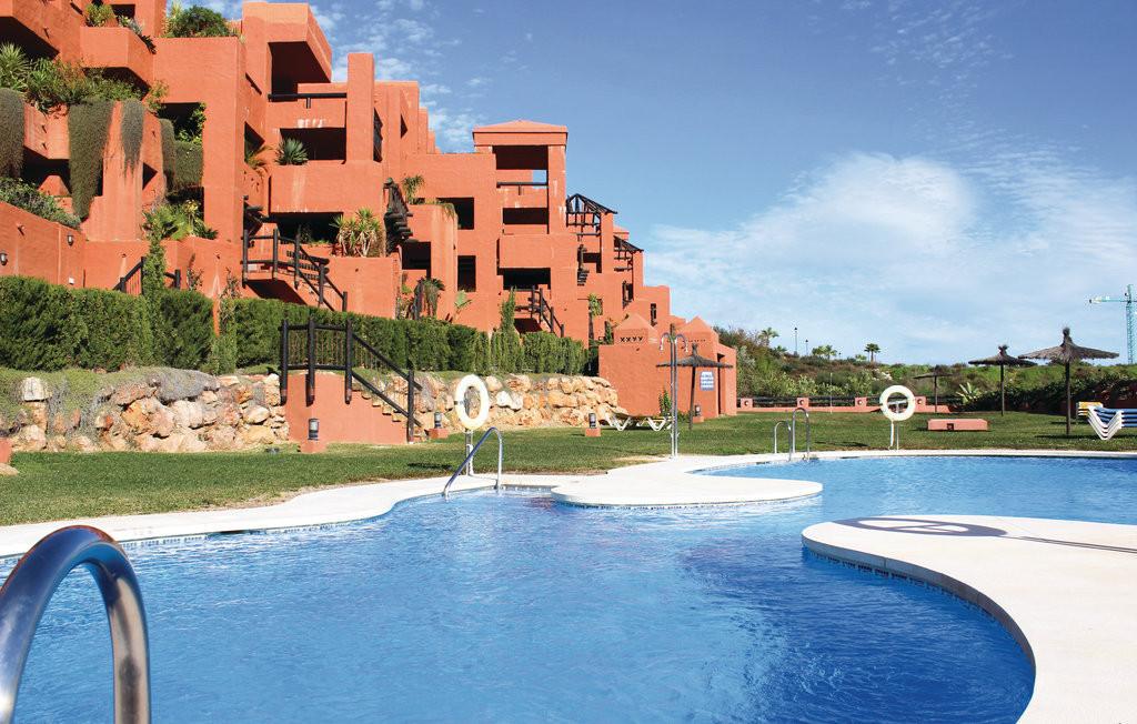 Beautiful apartment for sale in a gated secure development in La Duquesa, Manilva with beautiful mai,Spain