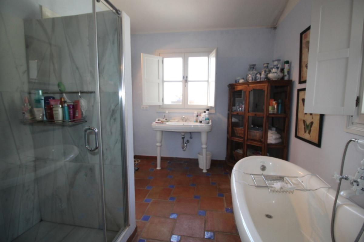 Villa con 2 Dormitorios en Venta Gaucín