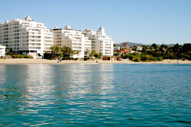 Lägenhet på mellanplan i Marbella R3233722