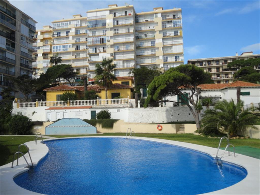 Top floor beach side apartment, consisting of 3 bedrooms, 2 bathrooms, south facing terrace with fab,Spain