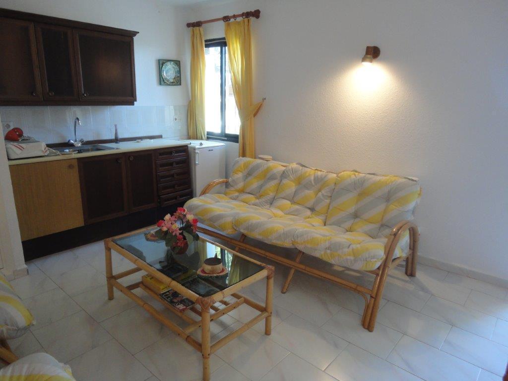 Unifamiliar con 4 Dormitorios en Venta Calahonda