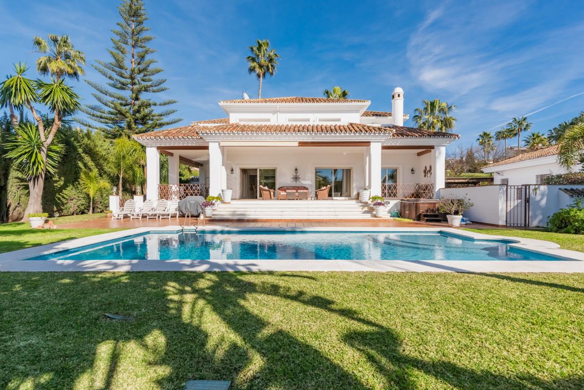 Detached Villa - Nueva Andalucía