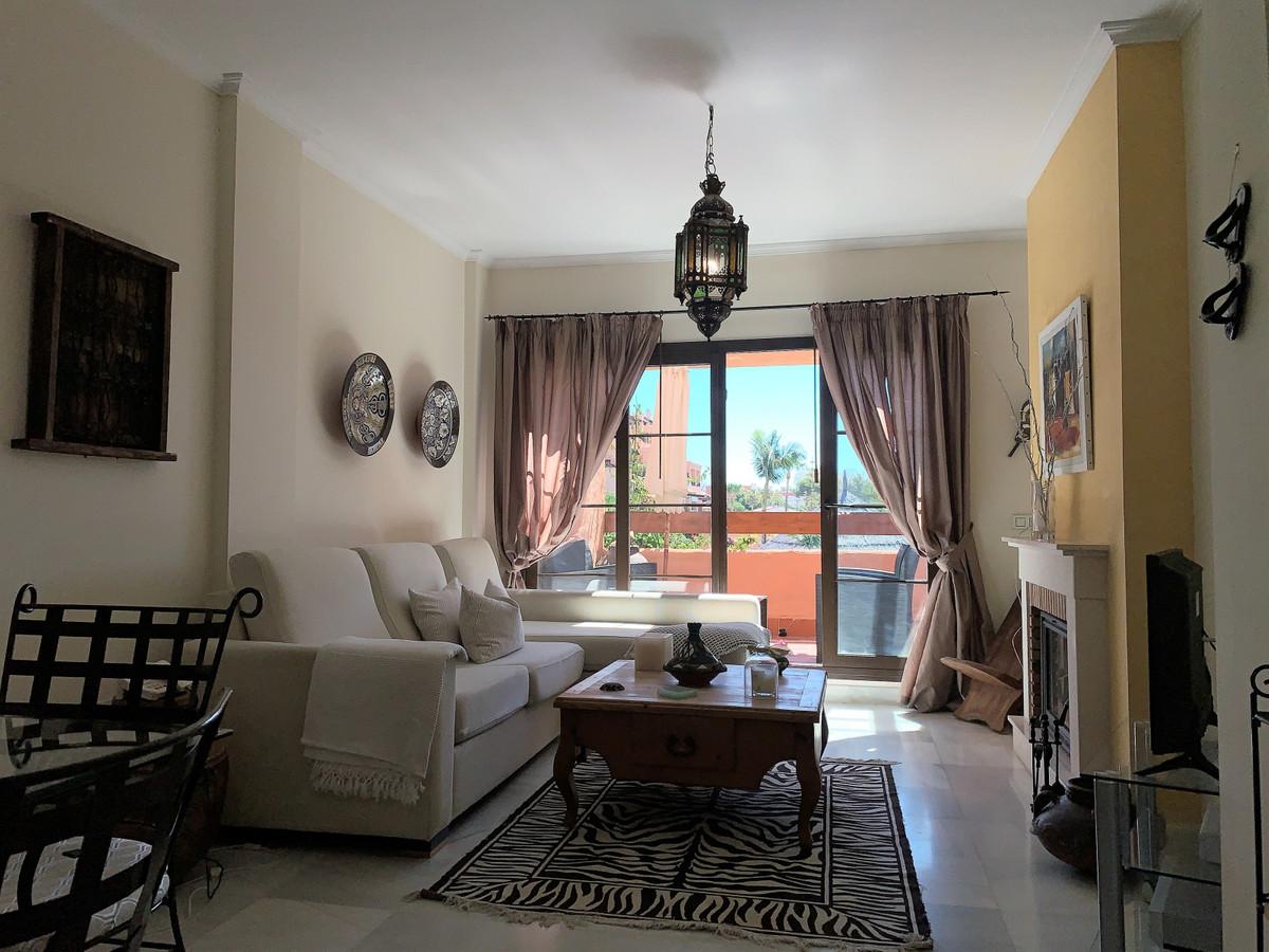 Apartamento  Planta Media en venta   en Hacienda del Sol
