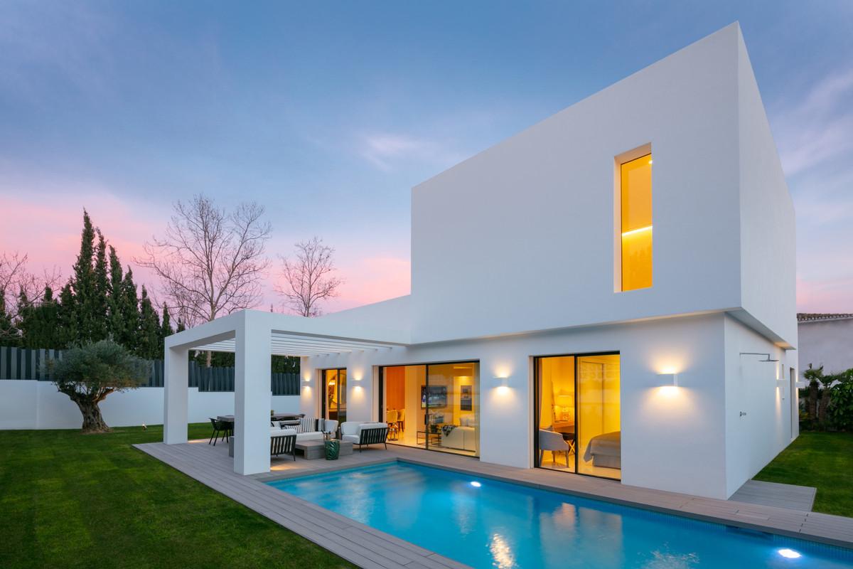 Ref:R3410932 Villa - Detached For Sale in Guadalmina Alta