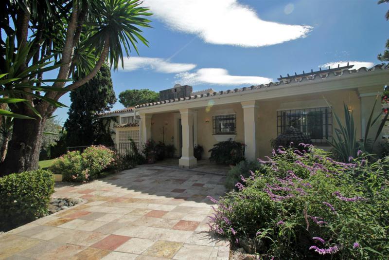 R811178: Villa - Detached for sale in Nueva Andalucía