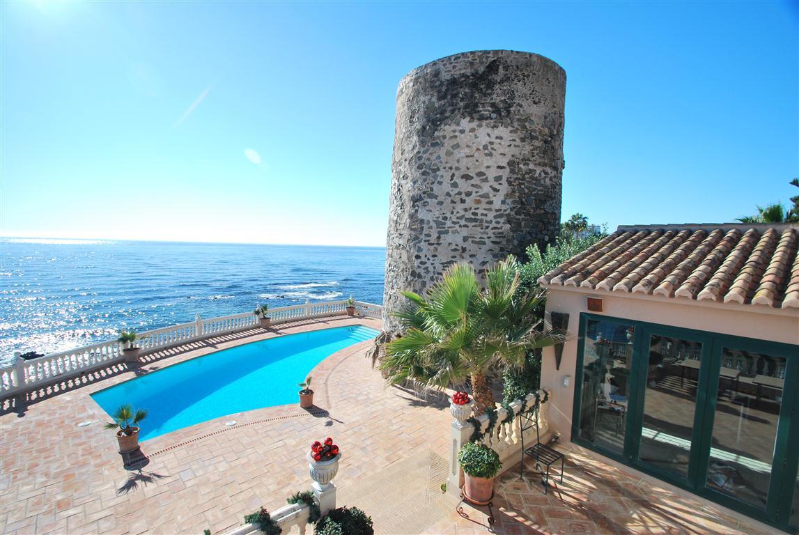 Ref:R3120832 Villa - Detached For Sale in Calahonda