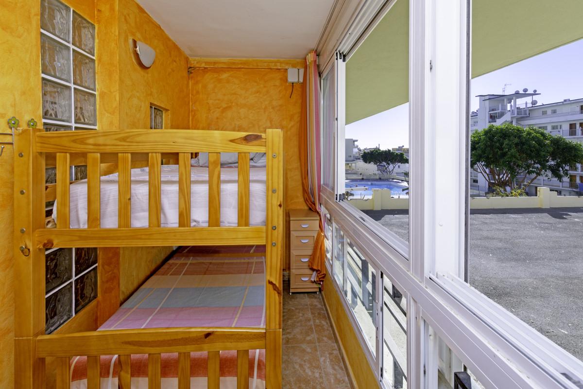 1 Bedroom Middle Floor Apartment For Sale La Carihuela