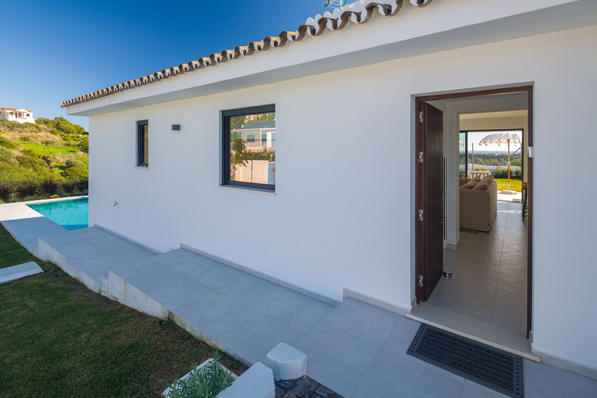 House en New Golden Mile R3792610 27