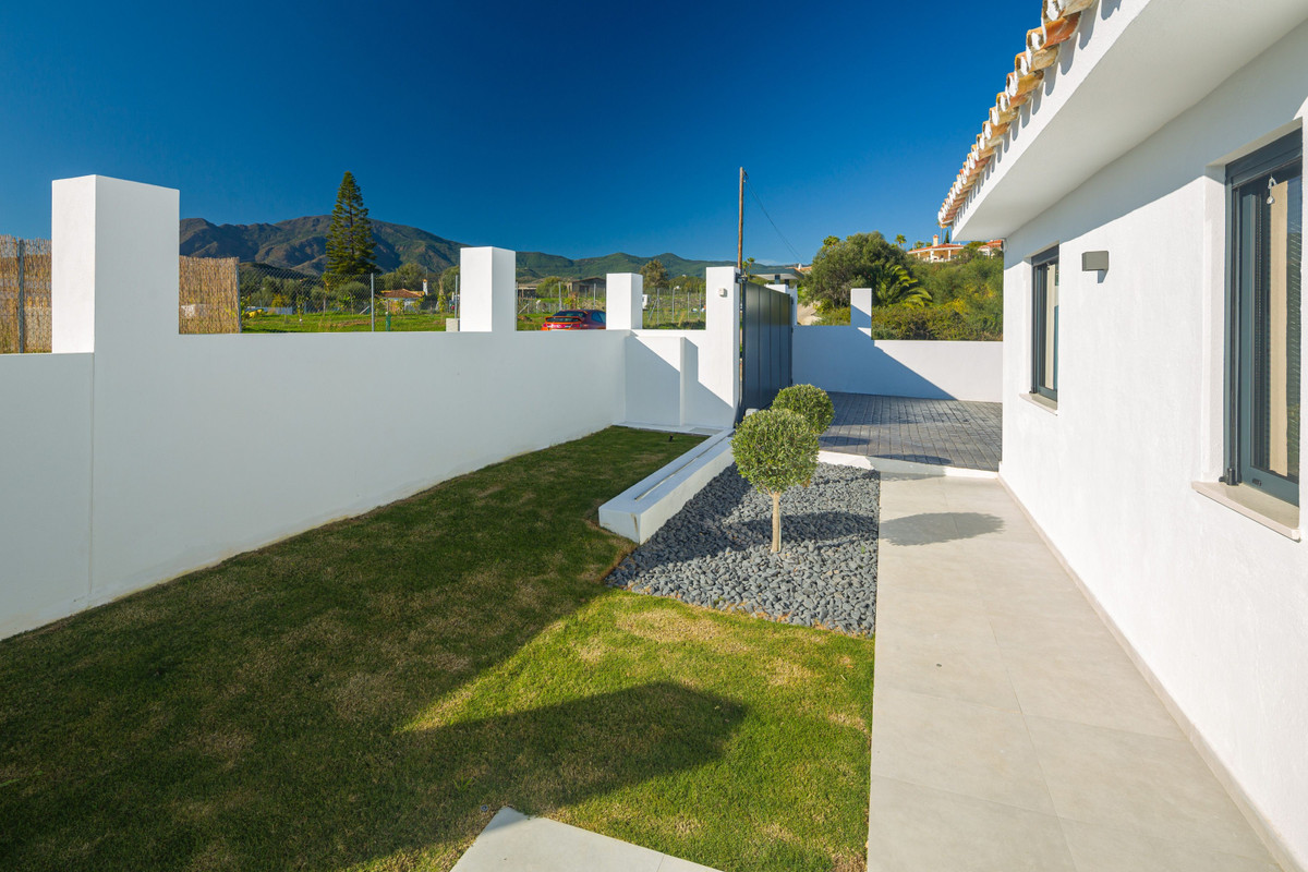 House en New Golden Mile R3792610 28