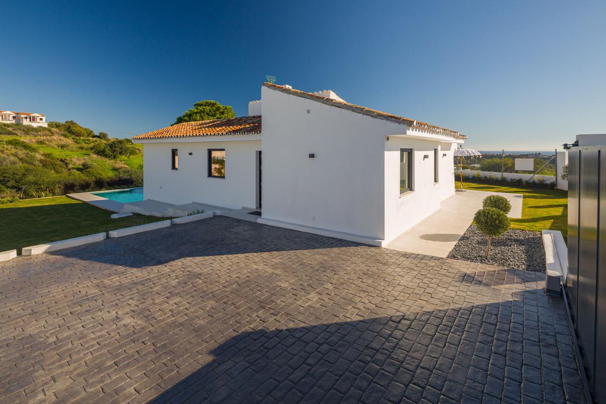House en New Golden Mile R3792610 31