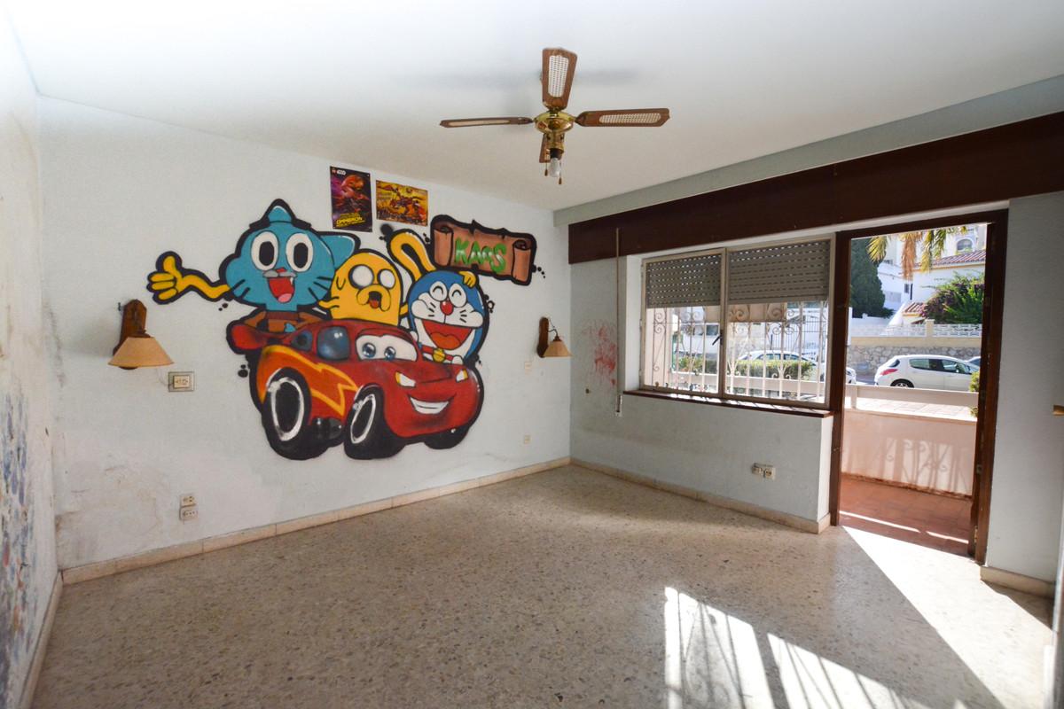 3 Bedroom Apartment for sale La Carihuela