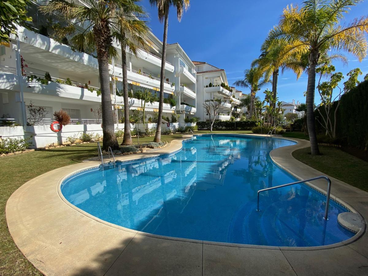 Apartamento 3 Dormitorios en Venta Guadalmina Baja