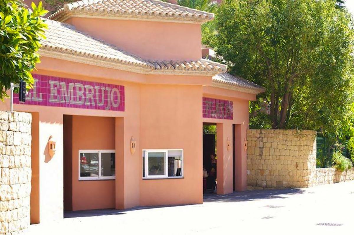 Comercial Trastero 0 Dormitorio(s) en Venta Nueva Andalucía
