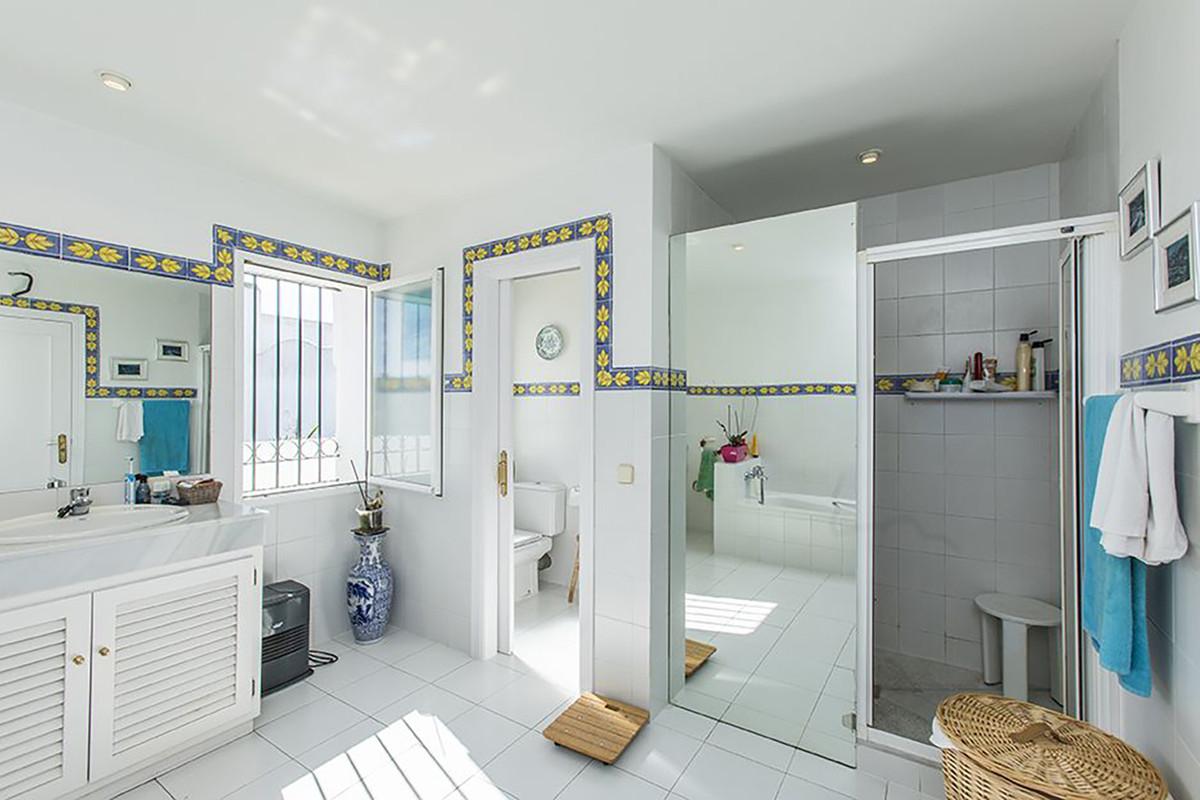 Villa con 6 Dormitorios en Venta Bel Air