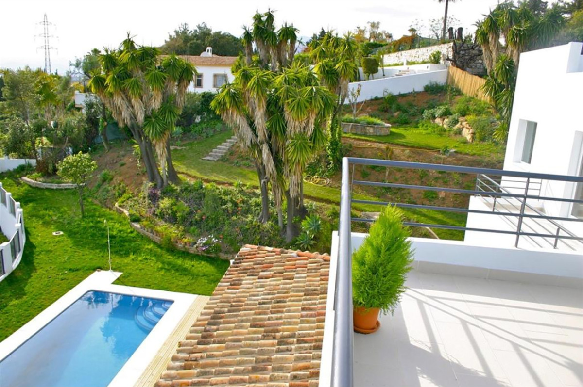 5 Bedroom Villa For Sale, El Rosario