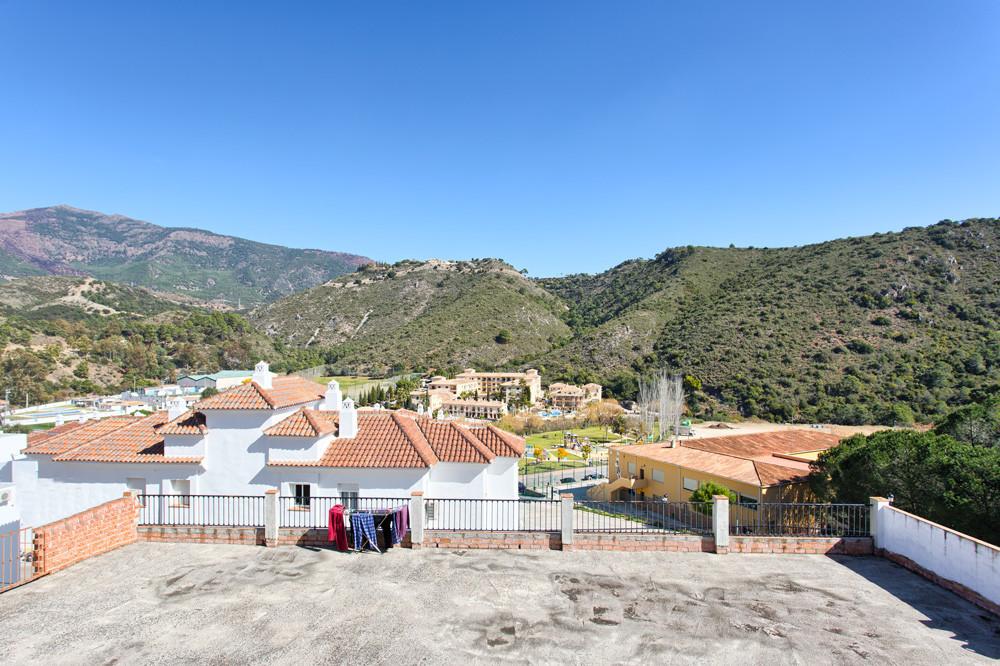 Villa · Semi Detached