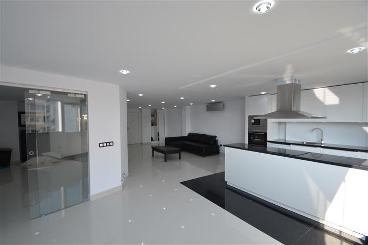 Lägenhet på mellanplan i Marbella R2681207