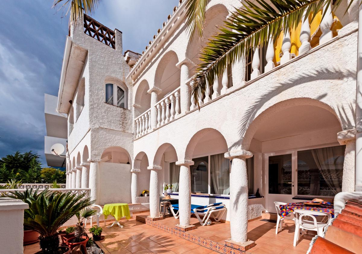 Reihenhaus Stadthaus in Costabella R3483592